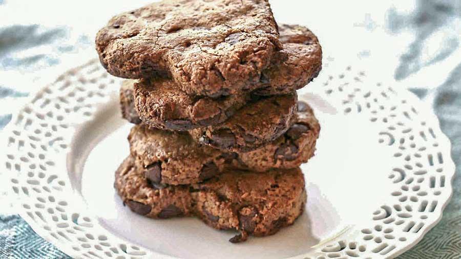 Grain-Free Walnut Coconut Chocolate Cookies