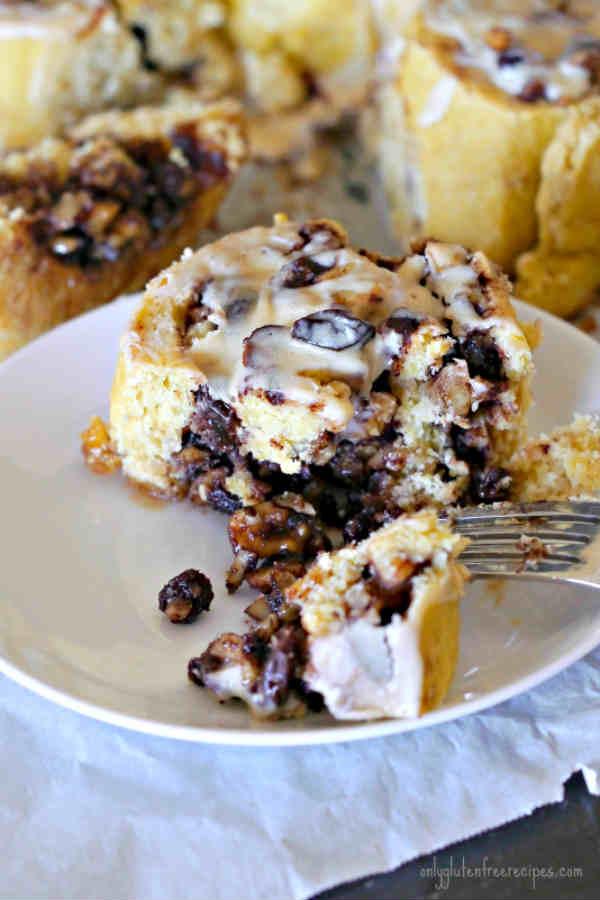 Gluten-Free Cinnamon Buns with Walnuts and Raisins