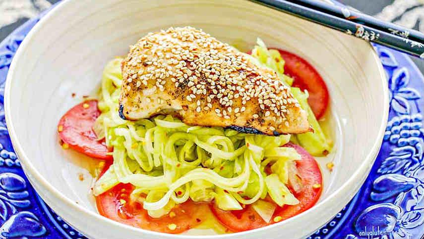sunomono, salad, chicken
