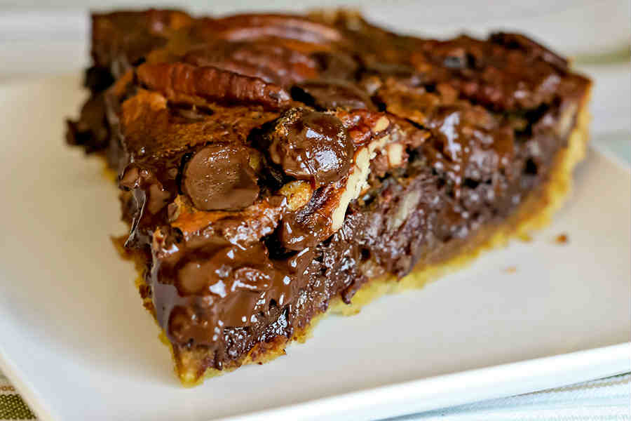 Easy Paleo Chocolate Pecan Pie Recipe