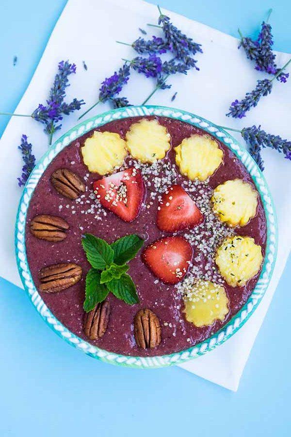 smoothie, pineapple, blackberries