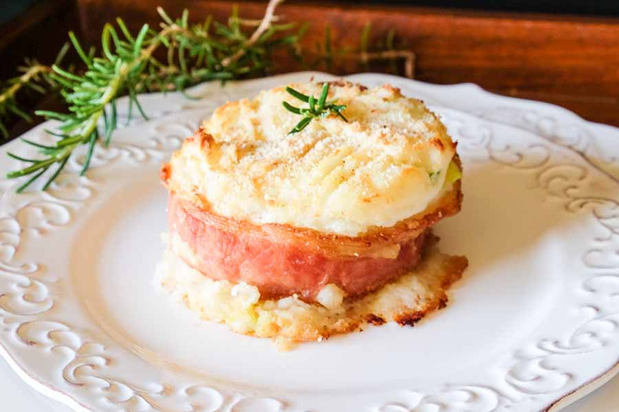 Baked Cheesy Potato Cakes with Bacon