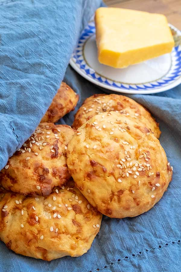 4 – Ingredient Gluten-Free Cheese Buns