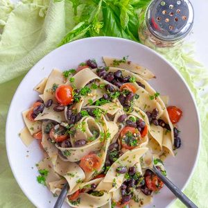 Parsley Black Beans & Tomatoes Pasta (Gluten-Free, Vegan)