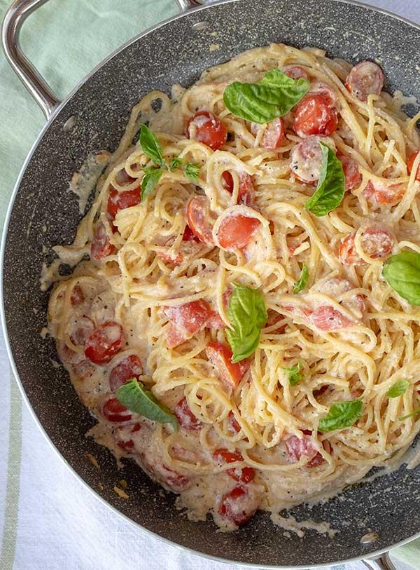 15 Minute Gluten-Free Pasta With Garlic Ricotta & Tomatoes