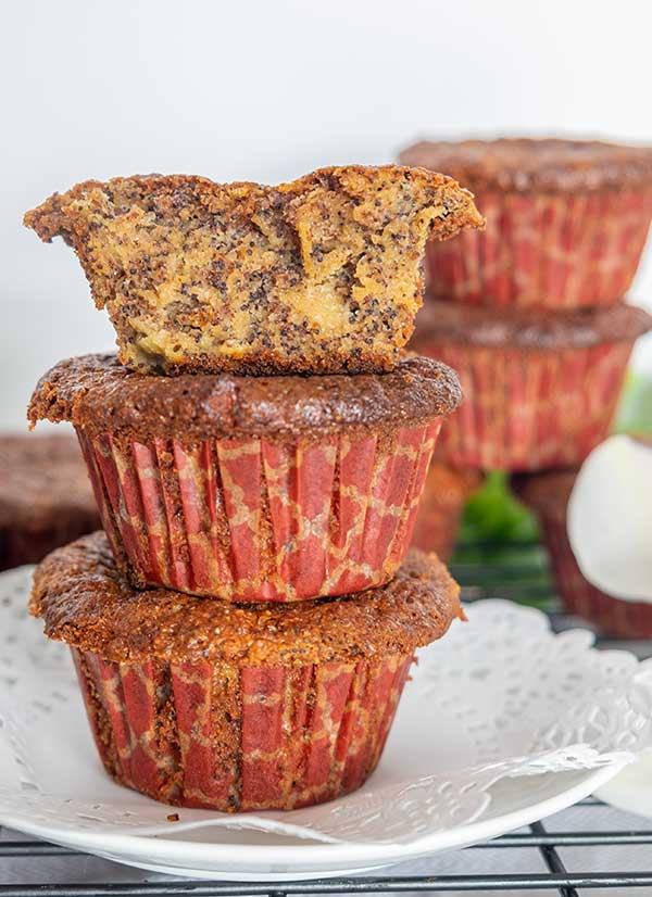 Grain-Free Poppy Seed Apple Muffin (Paleo, Gluten-Free)