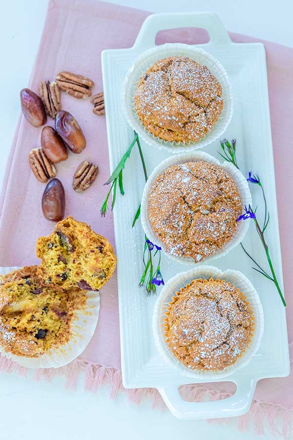 Grain-Free Muffin with Dates and Pecans