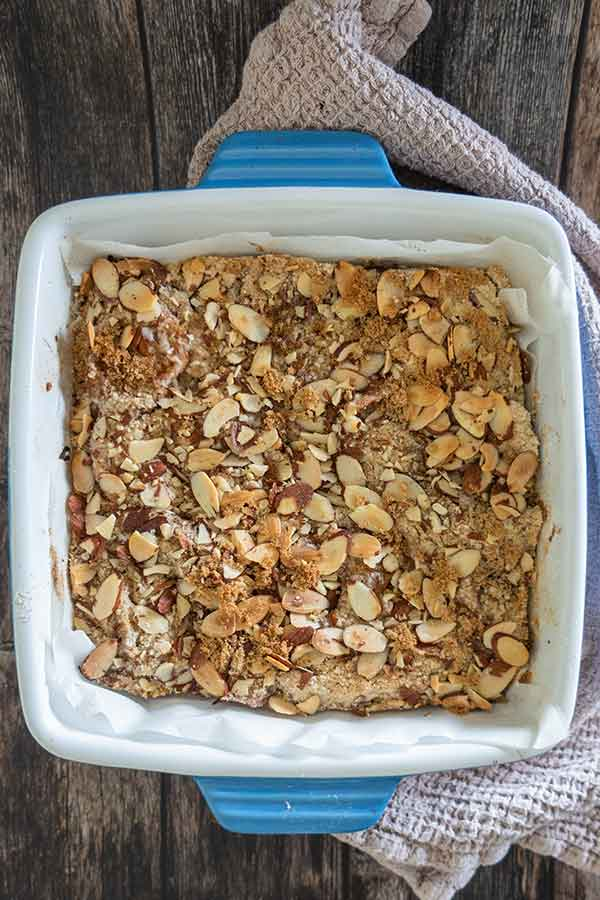 apple pie bars in a dish